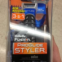 Photo taken at Walgreens by Jlettigre on 12/5/2012