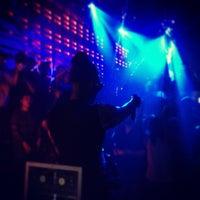 Photo prise au Club NYX par Nigel G. le5/30/2013
