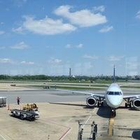 รูปภาพถ่ายที่ Terminal C โดย Jackson R. เมื่อ 5/12/2013