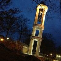 รูปภาพถ่ายที่ DSC Bell Tower โดย Jackson R. เมื่อ 2/25/2013