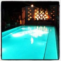 Photo taken at Highbar - Pool·Bar·Sky by VISIT FLORIDA Entertainment & Luxury Insider on 9/16/2012