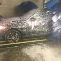 Photo taken at White Glove Car Wash by Liv Sexy N. on 7/20/2017