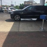 Photo taken at White Glove Car Wash by Liv Sexy N. on 4/29/2017