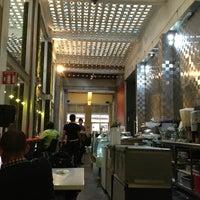 Foto diambil di MUMEDI Café & Shop oleh Kevin pada 7/18/2013