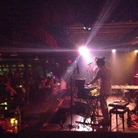 Foto scattata a Manderley Bar at the McKittrick Hotel da Jackie C. il 7/26/2013