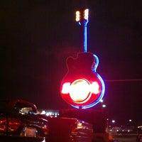 Photo taken at Hard Rock Cafe Nashville by Carolina on 1/11/2013