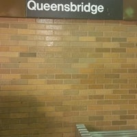 Photo taken at MTA Subway - 21st St/Queensbridge (F) by ♥Curtis R. on 10/5/2016