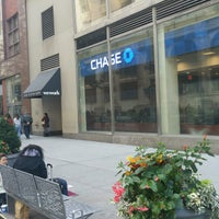 Photo taken at Chase Bank by ♥Curtis R. on 10/12/2016