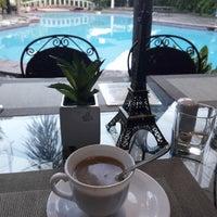 Photo taken at La Filipiniana Hotel by Arnel i. on 10/10/2017