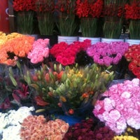 Photo taken at Mercado de Jamaiquita by Monica G. on 10/12/2012