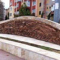 Das Foto wurde bei Aliya İzzet Begoviç Parkı von Suna K. am 10/23/2012 aufgenommen