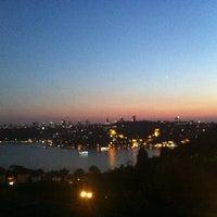7/24/2013 tarihinde Suna K.ziyaretçi tarafından Güzelcehisar Cafe'de çekilen fotoğraf