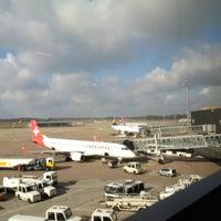 Снимок сделан в Lufthansa Senator Lounge пользователем Steffen H. 3/28/2015