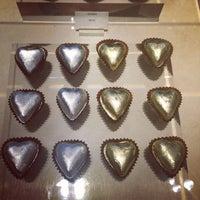 Foto tirada no(a) Fran's Chocolates por Gene D. em 10/15/2013