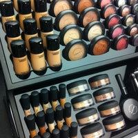 Снимок сделан в MAC Cosmetics пользователем 🏂🌲Ifon4ik🏂🌲 4/21/2013