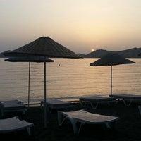 5/21/2013 tarihinde Erhan D.ziyaretçi tarafından Pina Lounge Cafe & Beach'de çekilen fotoğraf