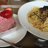 Photo taken at カフェ・ド・アンファン by Hana❁ on 4/8/2016