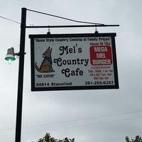 Foto tirada no(a) Mel's Country Cafe por Hayden W. em 9/30/2012