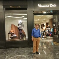 Photo taken at Massimo Dutti by Laz E. on 8/17/2014