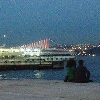 Das Foto wurde bei Beşiktaş Sahili von Seda Y. am 3/7/2013 aufgenommen