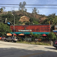 Photo taken at Laurel Canyon Country Store by Niku A. on 10/7/2016