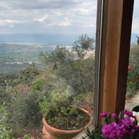Photo taken at Kaplan dağ restorant by Umut D. on 4/8/2017