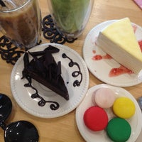 Photo taken at Nine Dessert Cafe by ℓoukρℓα on 8/18/2014