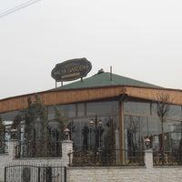 Das Foto wurde bei Alya Garden Restaurant Cafe von Umut Y. am 2/20/2013 aufgenommen