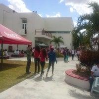 Photo taken at Universidad Del Valle De México by Orquidea G. on 11/15/2012