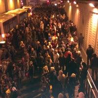 12/20/2012 tarihinde Eren Ö.ziyaretçi tarafından Zincirlikuyu Metrobüs Durağı'de çekilen fotoğraf