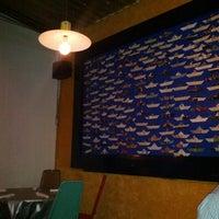 Foto tomada en i Latina Restaurante por Fer D. el 10/25/2012