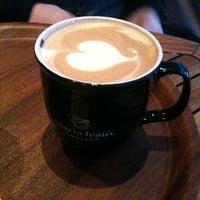 11/22/2012 tarihinde Melis Gizem I.ziyaretçi tarafından Gloria Jean's Coffees'de çekilen fotoğraf