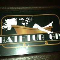 Das Foto wurde bei Bathtub Gin von Dave H. am 1/22/2013 aufgenommen