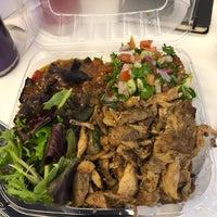 Das Foto wurde bei Omar's Mediterranean Cuisine & Bakery von Lara W. am 9/11/2018 aufgenommen