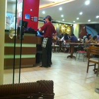 Photo taken at Pizza One by Rondineli on 10/21/2012