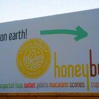 Foto tomada en Honey Bubble por Jill el 2/24/2013