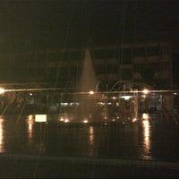 Снимок сделан в University of Santo Tomas Quad пользователем Justin I. 10/25/2012