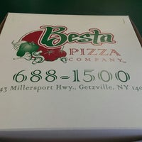 Photo taken at Besta Pizza by Isak B. on 9/19/2013