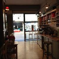 9/20/2013 tarihinde An-Marieziyaretçi tarafından Café Ma Baker'de çekilen fotoğraf