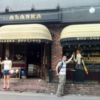 6/23/2013에 Hyunah K.님이 Le ALASKA Boutique에서 찍은 사진