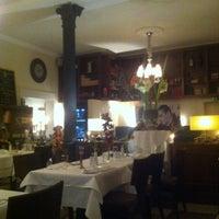 Das Foto wurde bei Ariston Restaurant von Jean Richard am 3/19/2013 aufgenommen