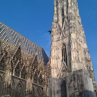 Снимок сделан в Stephansplatz пользователем Lyubov A. 3/23/2013