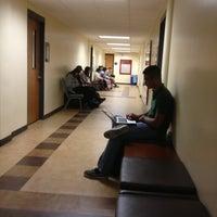 Foto diambil di Russell M. Cooper Hall (CPR) oleh Alicia E. pada 2/6/2013