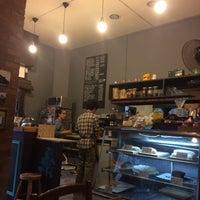 Foto tirada no(a) Sur Café por Matías R. em 4/23/2016
