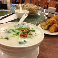 Photo taken at Congee Noodle House 粥麵館 by Jack C. on 1/27/2013