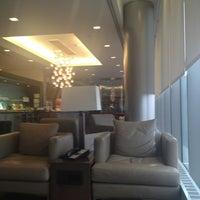 Photo taken at British Airways Galleries Lounge by Paul B. on 2/16/2013