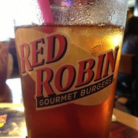 Photo taken at Red Robin Gourmet Burgers by Antonio on 4/5/2013