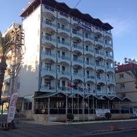 4/20/2014 tarihinde Kemal A.ziyaretçi tarafından Grand Hermes Hotel'de çekilen fotoğraf
