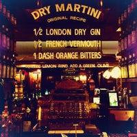 12/30/2012 tarihinde Sashaziyaretçi tarafından Dry Martini'de çekilen fotoğraf