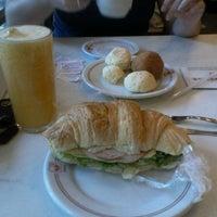 Photo taken at Confeitaria Jauense by Geremias M. on 2/17/2013